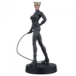 DC Superhero Catwoman Best of Figure with Collector Magazine