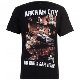 Batman Arkham City No One Is Safe T-shirt (M)