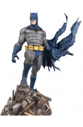 DIAMOND SELECT TOYS DC Gallery: Batman Defiant PVC Figure, Mulitcolor, 10 inches